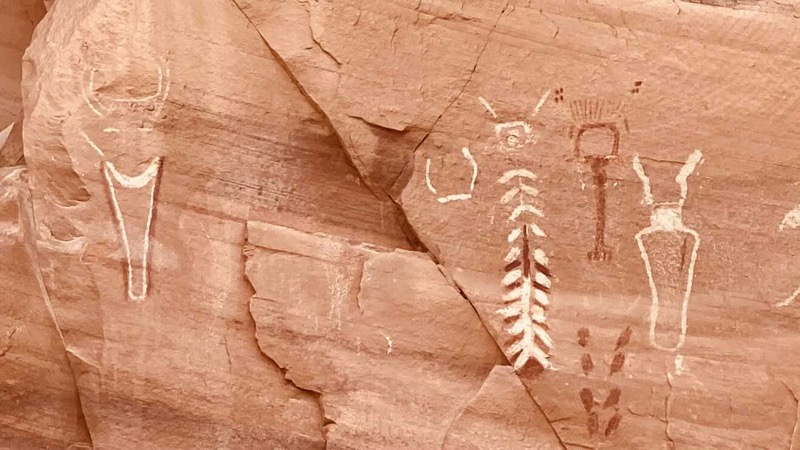 pictographs-in-coyote-gulch.jpg